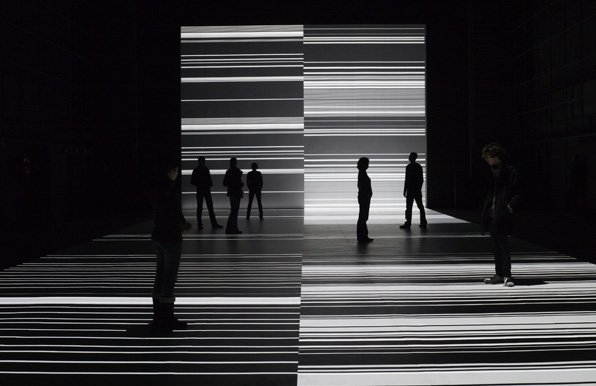RYOJI IKEDA <i>the transfinite</i><br />May 20 &#8211; June 11, 2011, Photo by Photo by Marc Domage/Courtesy of Th&#233;&#226;tre de Gennevilliers