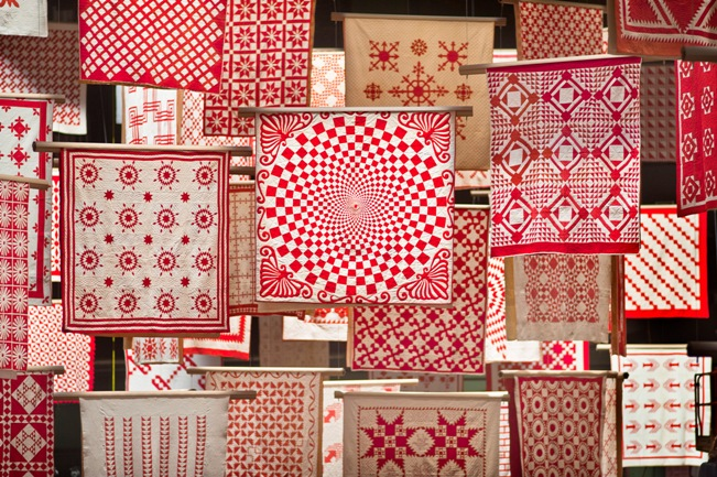 Photo Gallery : Infinite Variety: Three Centuries of Red and White ... : red and white quilt - Adamdwight.com